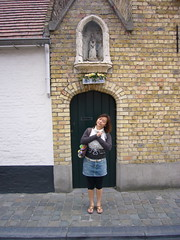 bruges_1_002 (OurTravelPics.com) Tags: street st with small mary chapel bruges statuette miaomiao oostmeers