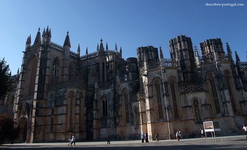 Fachada lateral da igreja e das capelas