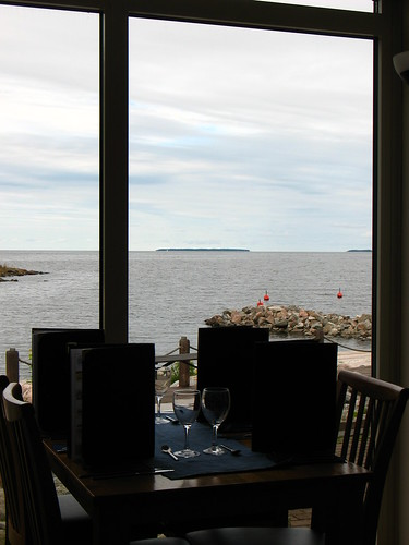 Furuviks Brygga restaurant and the ocean