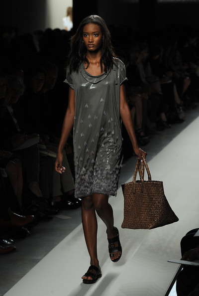 Bottega+Veneta+Milan+Fashion+Week+Womenswear+KWK5Q4imw78l