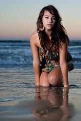 [フリー画像] 人物, 女性, ビーチ・砂浜, アメリカ人, 201010022100