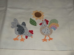 W. I. P. (Apaixonada por artes) Tags: de galinha toalha mesa galo aplique patchcolagem