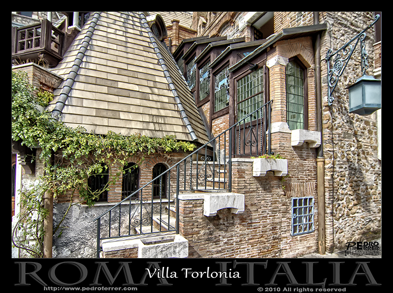 Roma - Villa Torlonia - Casa de las lechuzas 03