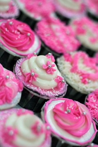 syafa-cupcakes-wedding-juju-3