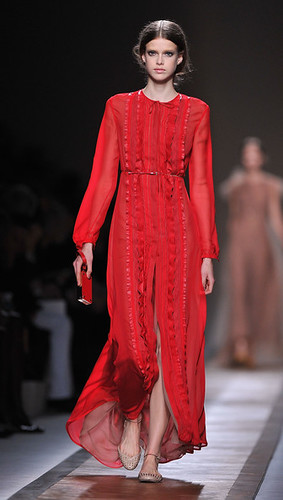 Valentino+Runway+Paris+Fashion+Week+Spring+TEquNNDx_PBl