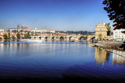 River Moldava. Prague. Río Moldava. Praga