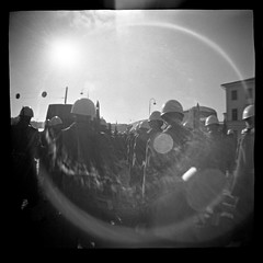 hellsink (Láma) Tags: bw film analog lens helsinki finnland iso diana 400 flare 2010 fomapan miletics láma