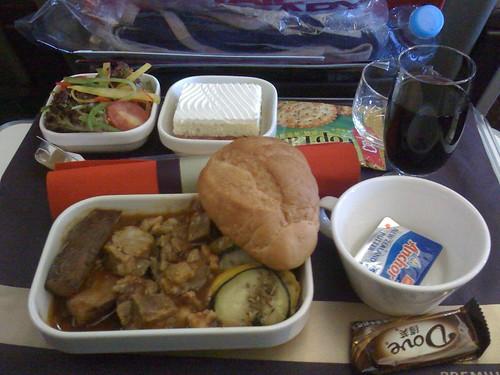 第一顿飞机餐的另一种选择,羊肉饭。味道也不错