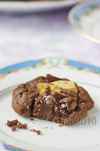 gluten-free triple choc n nut biscuits-closeup