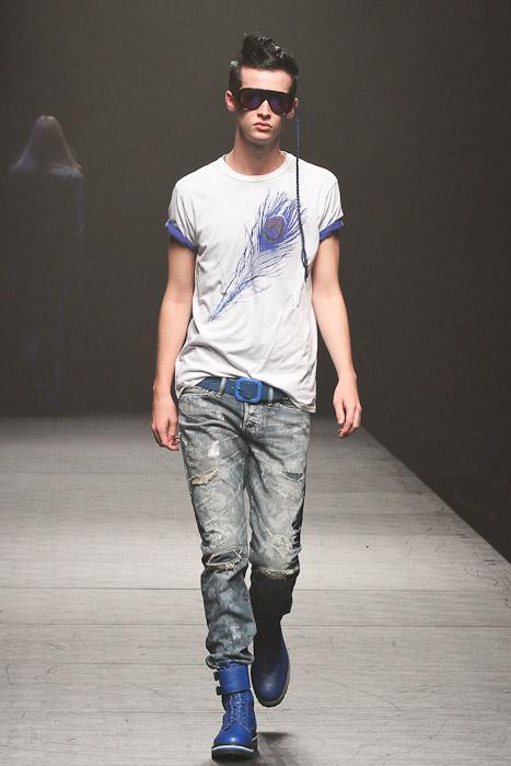 SS11_Tokyo_VANQUISH008_Lyden James(Fashionsnap)