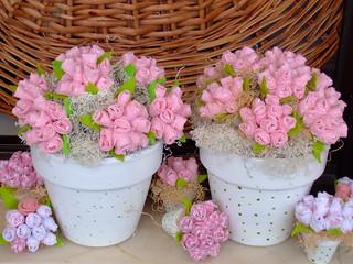 Flores de tecidos para Decorar o quarto do bebe.
