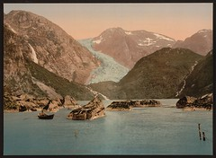 [Bondhus glacier and lake, Hardanger Fjord, Handanger, Norway] (LOC) (Charles-David Cuvier) Tags: color ice norway landscape boat colorized glaciers fjord libraryofcongress hordaland hardanger ghiacciaio sunnhordland folgefonna cooooooool kvinnherad photochrom bondhusbreen xmlns:dc=httppurlorgdcelements11 detroitpublishingcompany handanger mauranger bondhusvatnet harlemstreet dc:identifier=httphdllocgovlocpnpppmsc06133 bondhusglacierandlake yourwonderland