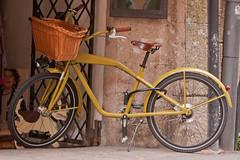 A bicycle in Innsbruk. (| Warren Martil |) Tags: mountain bicycle austria streetscenes colourfulbuildings innsbruk