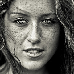 Veronica  (Alessandro.Rossi) Tags: light portrait bw woman girl beautiful hair blackwhite eyes natural veronica occhi canon5d freckles ritratto canon50mm14 alessandrorossi