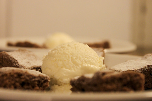 Renates Marronibrownies mit Honigglace