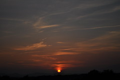 Vespre (inami_13) Tags: sunset naturaleza sun sol nature backlight clouds contraluz landscape atardecer luces natura paisaje nubes puesta ocaso posta llums paisatge contrallum nvols