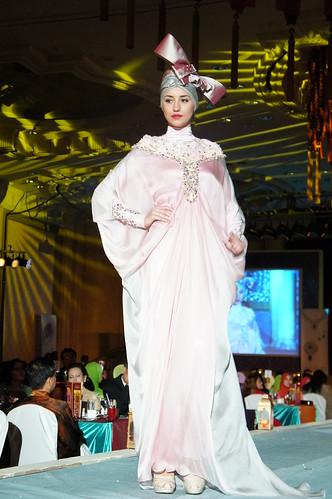Islamic fashion festival 2010 - jovan mandagie 2