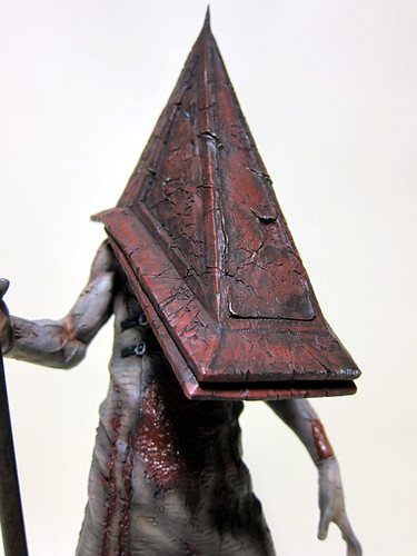 red_pyramid_thing_7