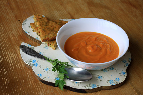 Cream of Roasted Pumpkin Soup with Herb Bread
