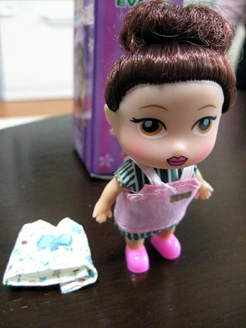 人形, エバー航空