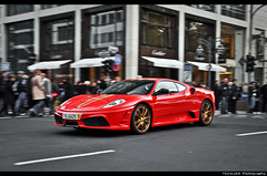 Ferrari 430 Scuderia *explored* (ThomvdN) Tags: november photoshop germany nikon italia automotive thom bella dsseldorf scuderia vr 2010 430 lightroom carphotography ferrai 18105 cs3 kningsallee d5000 thomvdn