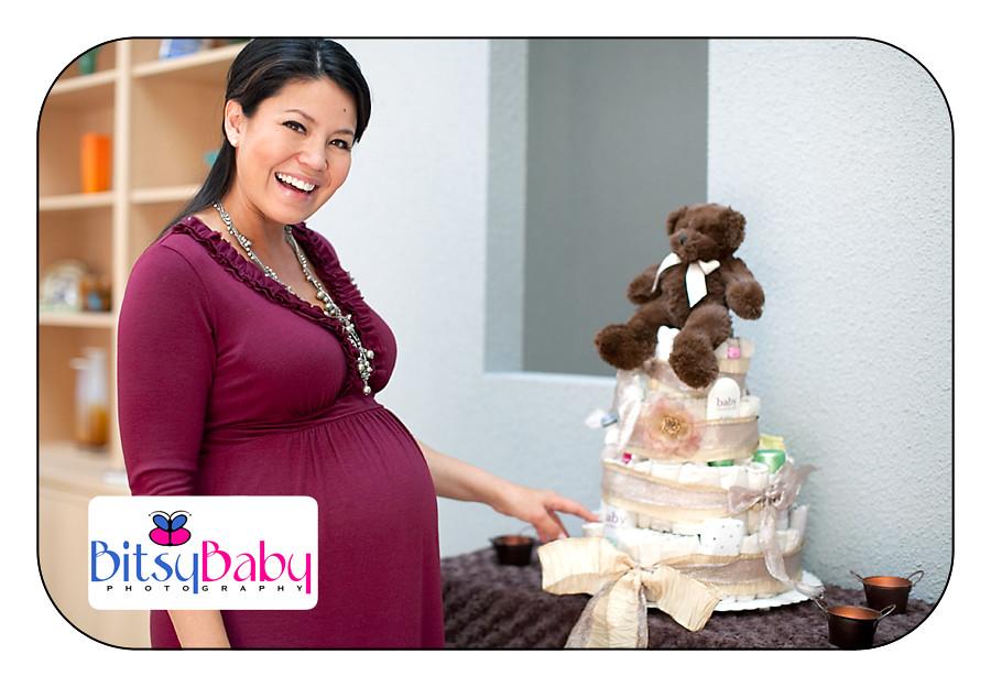 Angie's organic diaper cake =)