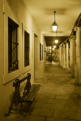 Walking in the night... (Artigazo ) Tags: espaa architecture canon spain arquitectura espanha d arcade porch soria espagne spanien spagna portico virado porches osma burgod