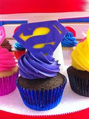 Superhero Cupcakes (Jenny Burgesse) Tags: cupcakes superhero bizarro fondant geeksweets comicbookshoppeartgala2010