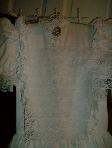 Putting lace together for bodice front