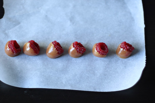 caramel raspberries