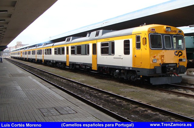 Série 592 (ex-RENFE) - Página 2 5432295388_f7deede526_z_d