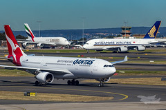 VH-EBF QF A332 EK A380 SQ A380 YSSY-9056 (A u s s i e P o m m) Tags: qantas qf emirates ek singaporeairlines mascot newsouthwales australia au sq airbus a332 a330 a380 syd yssy sydneyairport