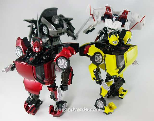 Transformers Cliffjumper Alternity vs Bumblebee vs Megatron vs Starscream - modo robot