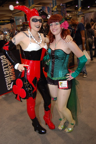 Comic Con 2010: Red and Green