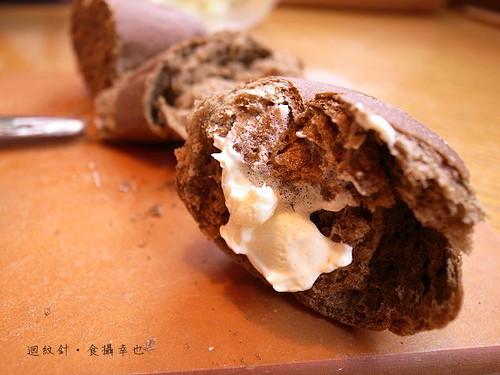 outback超值套餐麵包與奶油