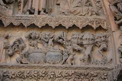 infierno catedral León (Javi Asturies) Tags: arte caldera diablo león pecado piedra demonio infierno gótico iconografia catedraldeleón arquivoltas