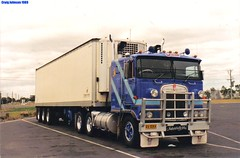 photo by secret squirrel (secret squirrel6) Tags: blue sleeping beauty monster lunch spiders australia melbourne truckstop resting trailer rims coe kw stopped spotlights kenworth bigrig cabover bullbar truckcity humehighway triaxle aussietrucks roundtanks bogiedrive worldtruck secretsquirreltrucks