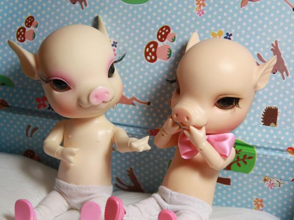 NOUVELLES PHOTOS de Sacha en bas de P1 (BJB cochon Elf Doll) 4953998360_6fea5948ab_o