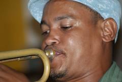 Bande Cin (Karina Muniz) Tags: brazil brasil sony bra recife pe pernambuco a300 trumpete espaonave bandecin