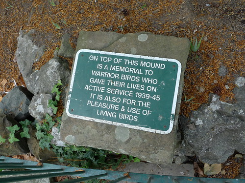 Worthing War Pigeon Memorial - Beach House Park