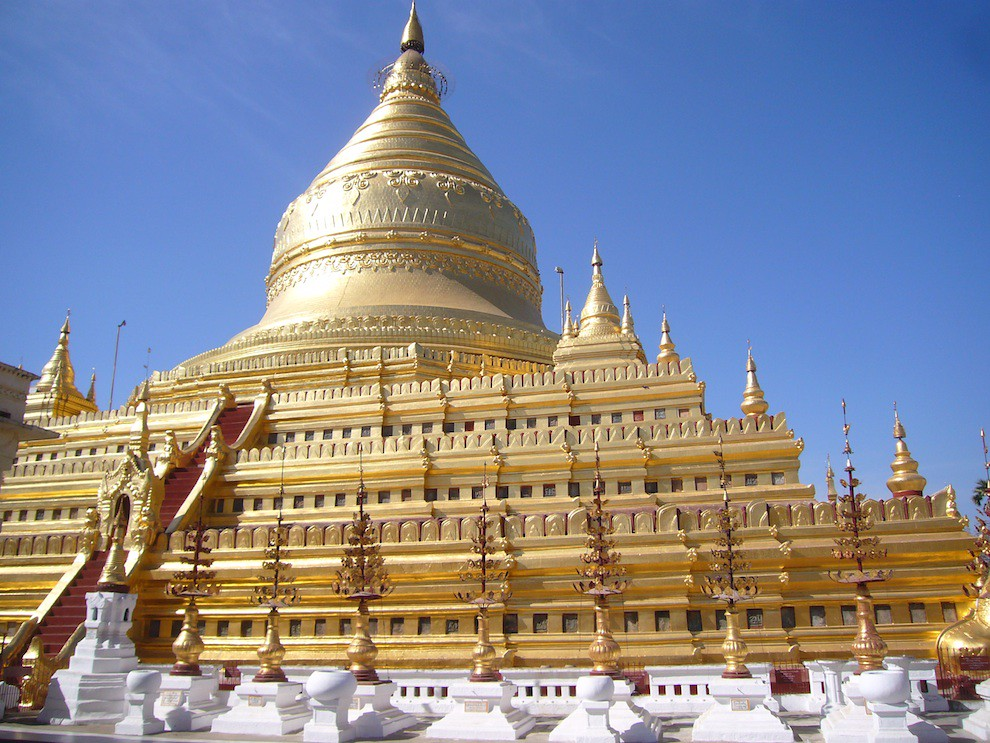 shwedagon pagoda Myanmar 2010