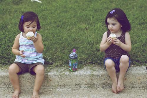 Girls + Cupcakes= <3