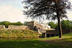 Waterburcht Pietersheim, Lanaken (Erf-goed.be) Tags: geotagged limburg lanaken pietersheim burcht waterburcht archeonet geo:lat=50898 geo:lon=5667 burchtrune