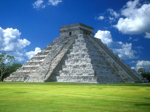 [フリー画像] 建築・建造物, 遺跡, チチェン・イッツァ, ピラミッド, メキシコ, 世界遺産, 201009221900