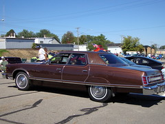 Brown Ford LTD Landau. Loyal Car And Motorcycle Show. (dccradio) Tags: show old light sky brown classic ford lamp car wisconsin vintage classiccar vintagecar antique antiquecar bluesky tires event lamppost transportation vehicle oldcar ltd wi lightpole carshow loyal luxurycar landau centralwisconsin whitewalledtires loyalwi centralwisconsinloyalcarshow loyalcarshow