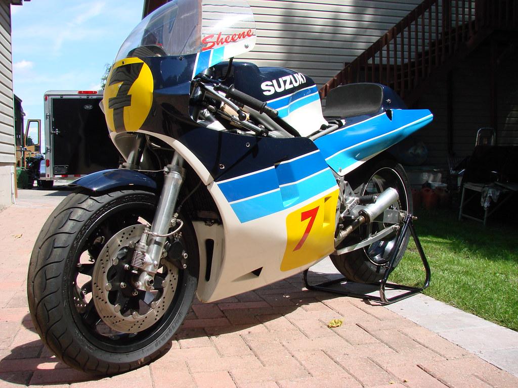 Machines de courses ( Race bikes ) - Page 7 4990058920_6849764267_b