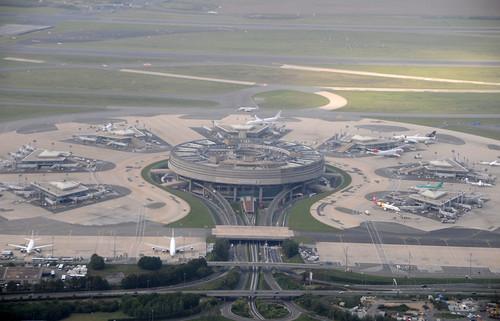 Vue aérienne du terminal1 de CDG, Paris by Citizen59, on Flickr