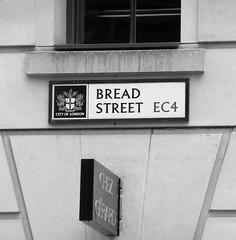 Bread Street  EC4 (City Of London) (EZTD) Tags: signs london photo foto fotograf photos photographic photographs photograph fotos roads cityoflondon ec4 photograf fotograaf photographes breadstreet photographen streetnameplates ukroadsign londonstreetnames eztd eztdphotography photograaf fotoseztd eztdphotos leeztd dereztd
