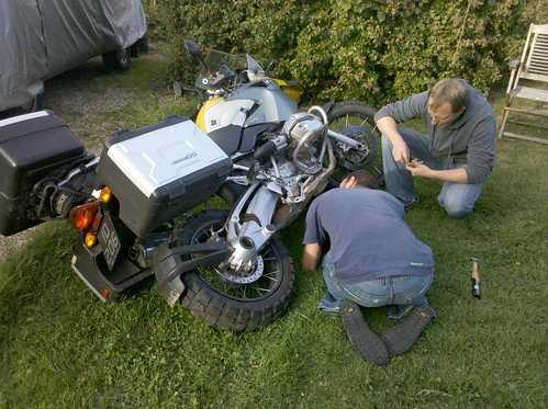 Surgery on @gringod's R1200... will be much better for it!