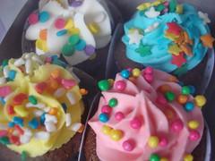 Mini Cupcakes (Confetti & Cupcakes) Tags: cupcakes mini confetti pompia drika novaes gostosos decorados
